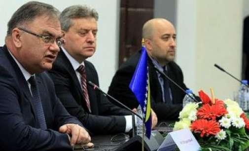 Иванов – Иваниќ: Политичките односи одлични ни недостига поинтензивна економска соработка