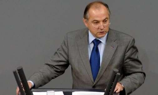 Јуратовиќ: Груевски или ќе одговара за корупција или за воени злосторства