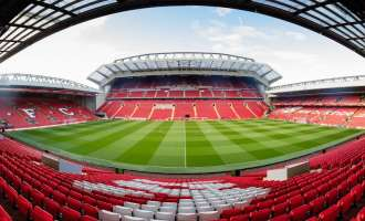 Ливерпул ги прекршил правилата за трансфери на млади играчи