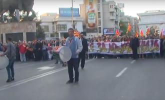 """Со тапани """"За заедничка Македонија"""" маршира до седиштето на СДСМ"""