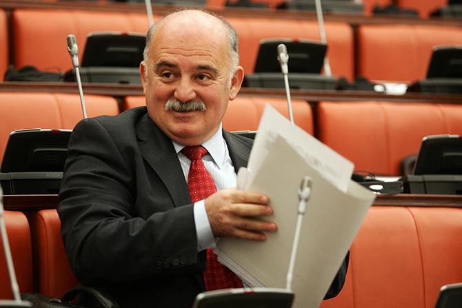 Хелсиншки комитет: Марко Зврлевски се меша во автономијата на СЈО