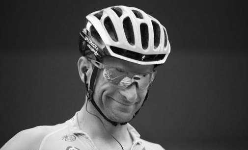 Загина поранешниот победник на Џиро д'Италија, Микеле Скарпони