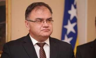 Делегација на БиХ предводена од Иваниќ во официјална посета на Македонија