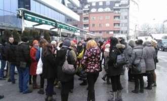 """Мирен протест на новинарите на """"Утрински весник"""" и """"Вест"""" поради згаснувањето на весниците"""