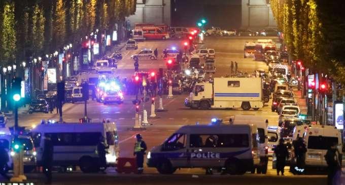 Вториот напаѓач од Париз ѝ се предал на белгиската полиција