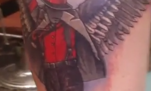 Во спомен на кралот на попот, синот на Мајкл Џексон, Принс направи уникатна тетоважа!