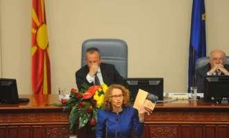 Шекеринска: Тоа СЈО Вас ве боли и затоа е окупирано Собранието – изолирана е Македонија