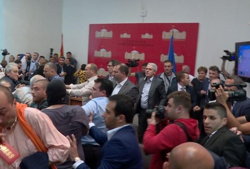Чавков и пет пратеници на ВМРО-ДПМНЕ седнуваат на обвинителна клупа за крвавиот четврток