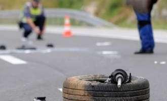 Млад возач тешко повреден откако со автомобил слетал во амбис на патот Градско-Велес
