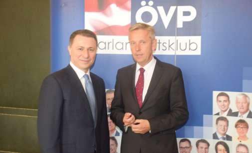 Груевски во Виена: Најбрз начин за излез од кризата се нови избори