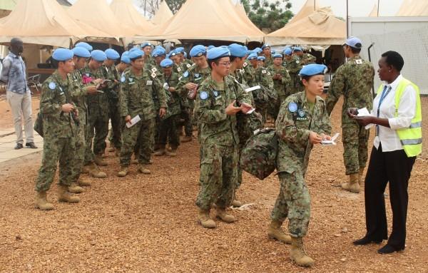 Јужносудански бегалци држат во заложништво 13 припадници на ОН