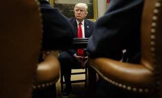 Трамп негира дека разговарал со конгресмени за можна воена интервенција во Сирија