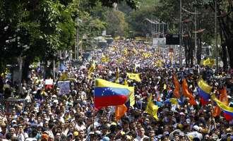 Крвави протести во Венецуела, Мадуро ја вади војската на улица