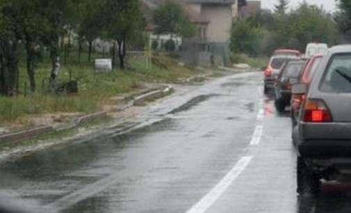 Сообраќајот на државните патишта се одвива по претежно влажни коловози