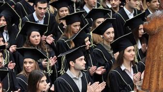 Опаѓа бројот на дипломираните студенти во Македонија