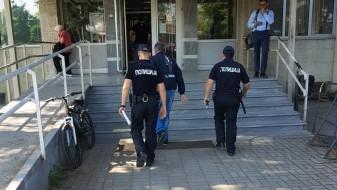 Обвинетите за крвавиот четврток во Собранието влегоа во судот, поддржувачите остануваат пред врата (ВИДЕО)