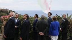 За лидерите на Г7 акробации на небото, а протести на земјата