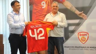 Ангеловски со подарок дрес го испрати Калински во пензија