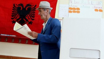 Завршни митинзи на партиите пред неделните избори во Албанија