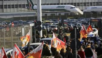 """Поради штрајк на вработените во """"Алиталија"""", откажани 200 летови"""