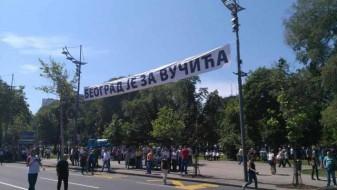 Тепачка помеѓу противниците и поддржувачите на новиот српски претседател Вучиќ