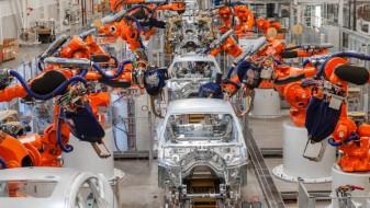 БМВ го запре производството во три земји