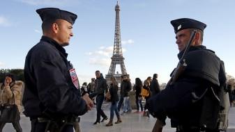Макрон најави продолжување на вонредната состојба во Франција