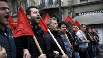 Штрајкот на грчките синдикати против мерките за штедење ја парализираше земјата
