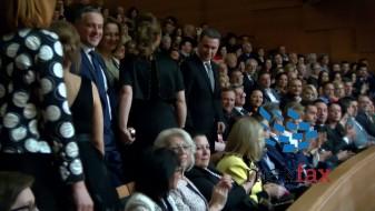 (ВИДЕО) Прво аплауз за Груевски, потоа за почеток на манифестацијата во Филхармонија