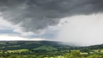 Облачно и нестабилно со пороен дожд и грмежи