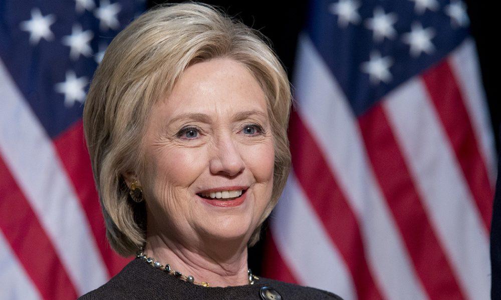 Клинтон  САД не заслужува претседател како Трамп