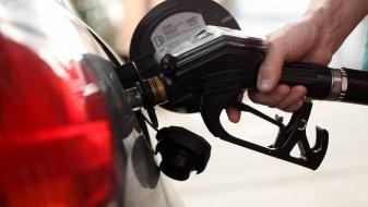 Поевтинуваат дизелот и бензинот