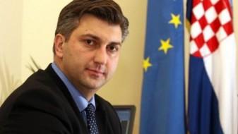 Пленковиќ: На политичката сцена во Хрватска владее информативен хаос