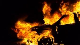Непознати лица синоќа во Аеродром опожариле автомобил-мерцедес