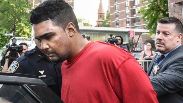 Мажот што налета на пешаци на Тајмс Сквер тврди дека  слуша гласови