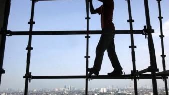 Двајца градежни работници паднале од скеле