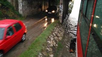 (Галерија) Дождот го поплави Бутел