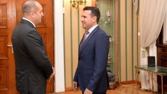 Средба Заев-Радев: Постојат отворени можности за напредок на Македонија и регионот