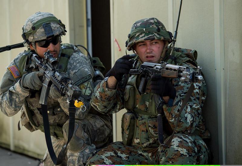 Воени американски конвои следниот месец ќе влезат во Македонија