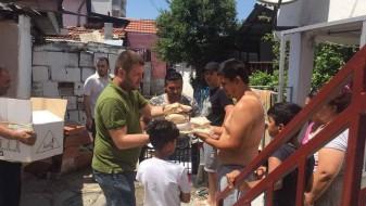 СДСМ – Центар подели пакети за социјално загрозените семејства од муслиманска вероисповед