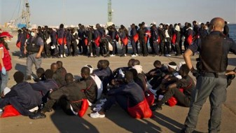Спасени над 200 мигранти препуштени на судбината крај либискиот брег
