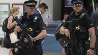 Вооружен маж со нож држи заложници во Њукасл
