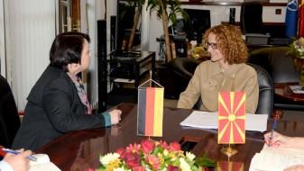 Реформите ќе ги воспостават суштинските демократски принципи во Македонија