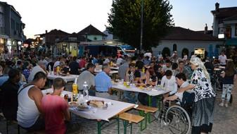 Евроамбасадорот Самуел Жбогар на  Ифтарска вечера во Охрид