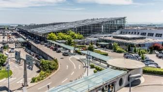 Закана за бомба на аеродромот во Штудгарт