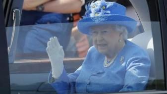 Пријава за кралицата Елизабета оти се возела без појас