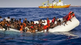 Ирската морнарица спасила 712 мигранти кај брегот на Либија