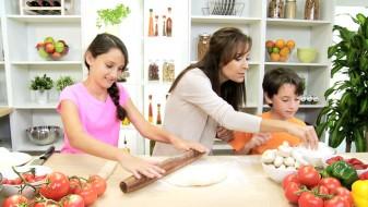 Majките секој ден извршуваат 42 различни задачи