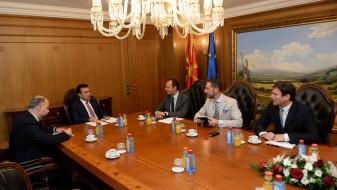 Премиерот Заев со амбасадорoт Ромео: Ќе ги вклучиме сите во реформските процеси, важни за иднината на граѓаните