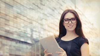 Која е разликата помеѓу паметна и мудра жена?